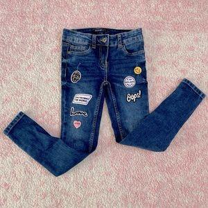 Like new adorable embellished jeans